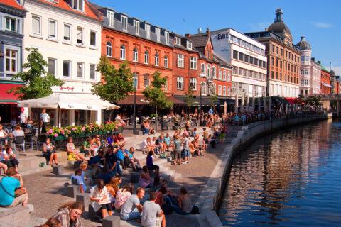 Inden du køber bolig i Aarhus – sådan forbereder du dig på et møde i banken